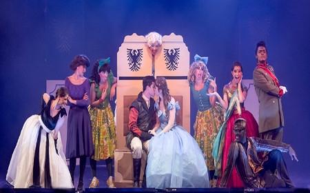 Cinderela – Teatro Vanucci