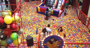 Piscina de Bolinhas no Center Shopping Rio